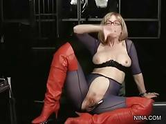 Nina Hartley Readily Tells About Herself 3